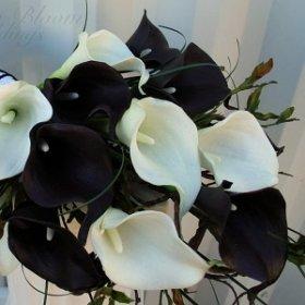 Настоящие чёрные и белые цветы