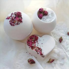 Как сделать бомбочку для ванны из цветов?